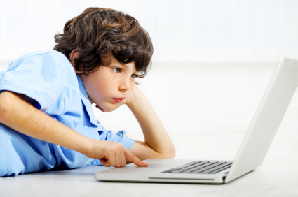 iStock 000017354253XSmall Email link to boys' popularity